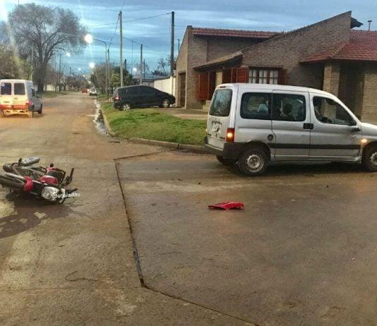 Choque entre una camioneta y una moto